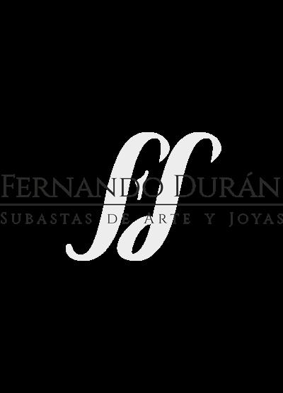 578-Clásica escribanía con dos tinteros y doble pluma en plata española punzonada con marcas de Durán. Remate y esquinas de cisnes y decoración de palmeta
