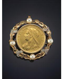 11-BROCHE - COLGANTE DE MONEDA ANTIGUA DE ORO AMARILLO DE 18K. con una orla de oro rosa intercalado de perlitas y oro blanco con chispitas de brillantes.