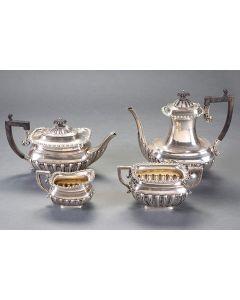 353-Juego de café en plata inglesa con marcas de Birmingham, platero ¿Thomas White?, año 1848.